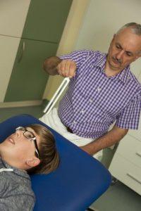 Klangtherapie mit Stimmgabel. dr. Kappl